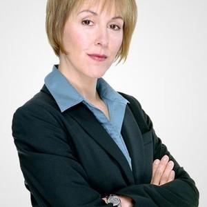 Cynthia Stevenson as Joy Lass