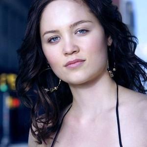 Erika Christensen as Mae Anderson