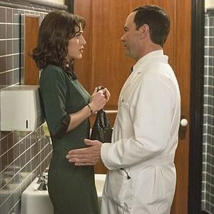 Masters of Sex (season 2, episode 1): Lizzy Caplan as Virginia Johnson