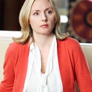 Hope Davis as Mia