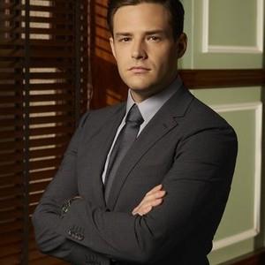 Ben Rappaport as Seth Oliver