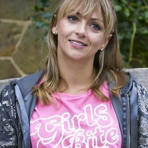 Lisa McGrillis as Kelly