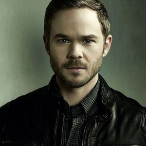 Shawn Ashmore as Agent Mike Weston
