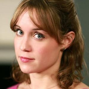 Scarlett Alice Johnson as Laura Derbyshire