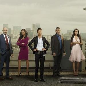 Kenny Johnson, Terry O'Quinn, Mekia Cox, Juliette Lewis, Charlie Barnett, Jordana Brewster and Michael Ealy (from left)