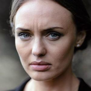 Laura Haddock as Hayley Svrcek