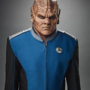 Peter Macon as Lieutenant Commander Bortus