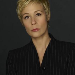 Liza Weil as Bonnie Winterbottom