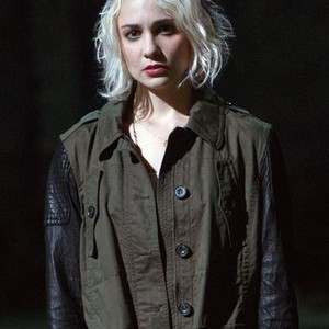 Tuppence Middleton as Riley