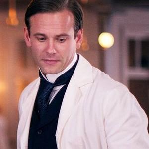 Eric Johnson as Dr. Everett Gallinger