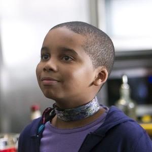 Donis Leonard Jr. as Roscoe Kaan