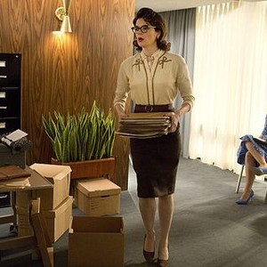 Masters of Sex (season 2, episode 2): Betsy Brandt as Barbara and Annaleigh Ashford as Betty