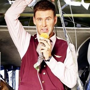 Zach Cregger as Owen O'Connor