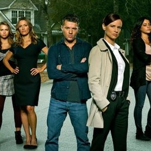 Belle Shouse, Indiana Evans, KaDee Strickland, Ryan Phillippe, Juliette Lewis, Natalie Martinez and Dan Fogler (from left)