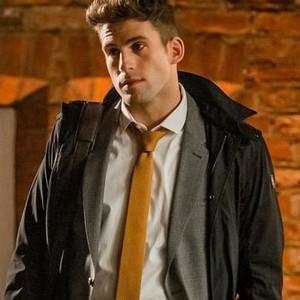 Dino Fetscher as Alec Wayfield