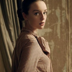 Kacey Rohl as Kerry Campbell