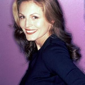 Noelle Beck as Jeannie Pierce