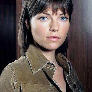 Nicole de Boer as Sarah Bracknell Bannerman