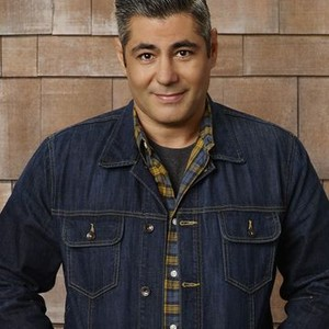 Danny Nucci as Mike Foster