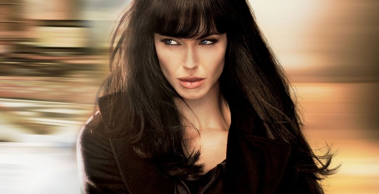 9. Salt (2010): Angelina Jolie's escape is perfectly set up for her to continue playing a badass spy in the future.