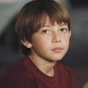 Griffin Gluck as Mason Warner
