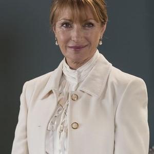 Jane Seymour as Lady Lindo-Parker