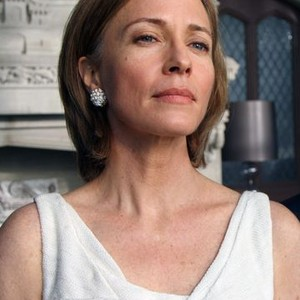 Susanna Thompson as Queen Rose Benjamin