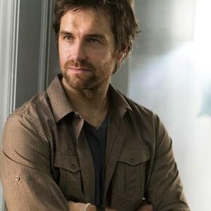 Antony Starr as Garrett Hawthorne