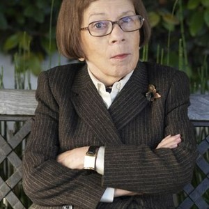 "Linda Hunt as Henrietta ""Hetty"" Lange"