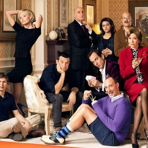 Portia de Rossi, Jason Bateman, Jeffrey Tambor, Will Arnett, Alia Shawkat, David Cross, Jessica Walter, Tony Hale and Michael Cera (clockwise from top left)