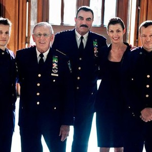 Will Estes, Len Cariou, Tom Selleck, Bridget Moynahan and Donnie Wahlberg (from left)