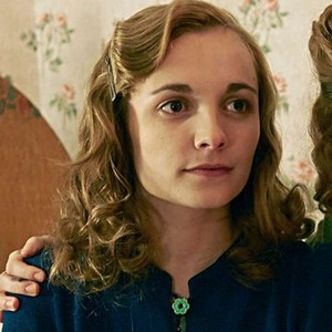 Rachel Hurd-Wood as Kate Campbell