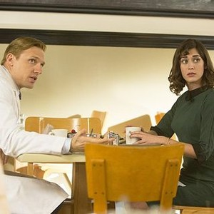 Masters of Sex (season 2, episode 1): Teddy Sears as Dr. Austin Langham and Lizzy Caplan as Virginia Johnson