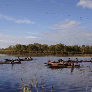 ten canoes study guide