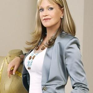 Melanie Griffith as Lee Arnold