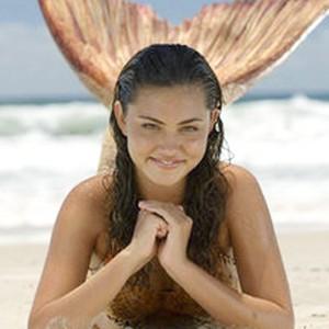 Phoebe Tonkin as Cleo Sertori