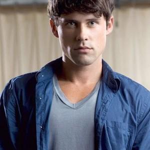 Benjamin Hollingsworth as Chris Andrews