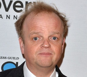 Toby Jones  - 2018 Light brown hair & alternative hair style.
