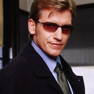 Denis Leary as Det. Mike McNeil