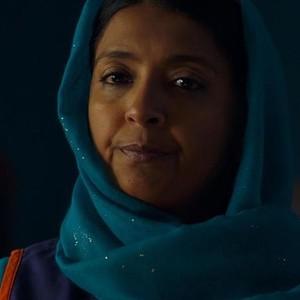 Sunetra Sarker as Kaneez Paracha