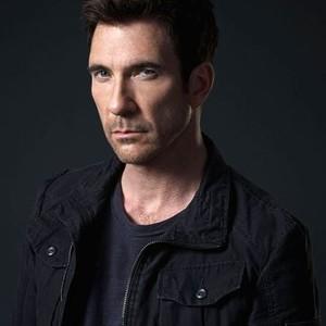 Dylan McDermott as Detective Jack Larsen