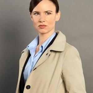 Juliette Lewis as Detective Cornell
