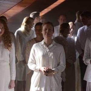 Orphan Black: Season 2, Episode 3, Gracie (Zoe de Grand Maison) and Bonnie (Kristen Booth)
