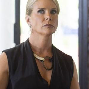 Cheryl Hines as Stella