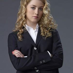 Ella Rae Peck as Mia Bowers