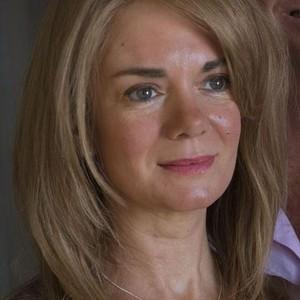 Victoria Hamilton as Anna