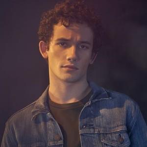 Eli Brown as Dylan Walker
