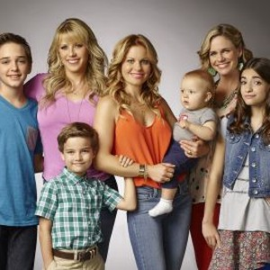 Michael Campion, Elias Harger, Jodie Sweetin, Candace Cameron Bure, Dashiell Messitt and Fox Messitt, Andrea Barber, and Soni Nicole Bringas (from left)