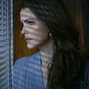 Keri Russell as Elizabeth Jennings