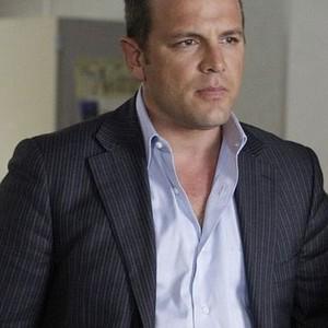 David Cubitt as Detective Lee Scanlon